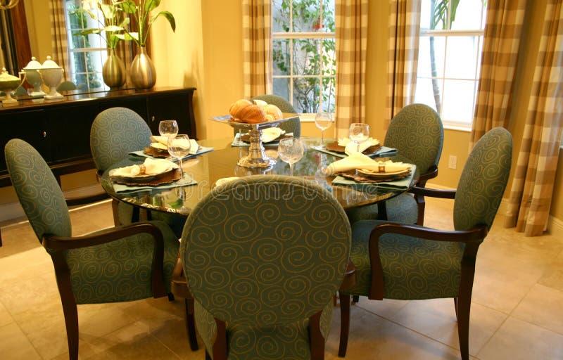 Download Sala de jantar imagem de stock. Imagem de telhado, assoalho - 538737