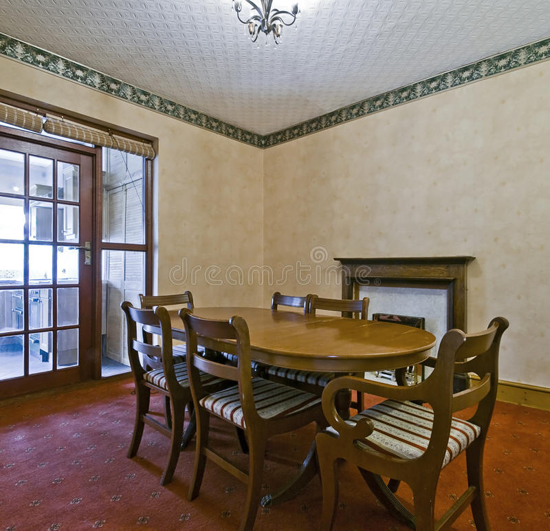 Sala de jantar clássica do estilo fotos de stock royalty free