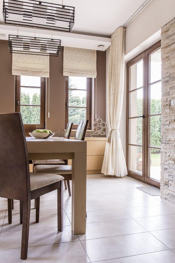 Sala de jantar com uma vista perfeita fotografia de stock royalty free