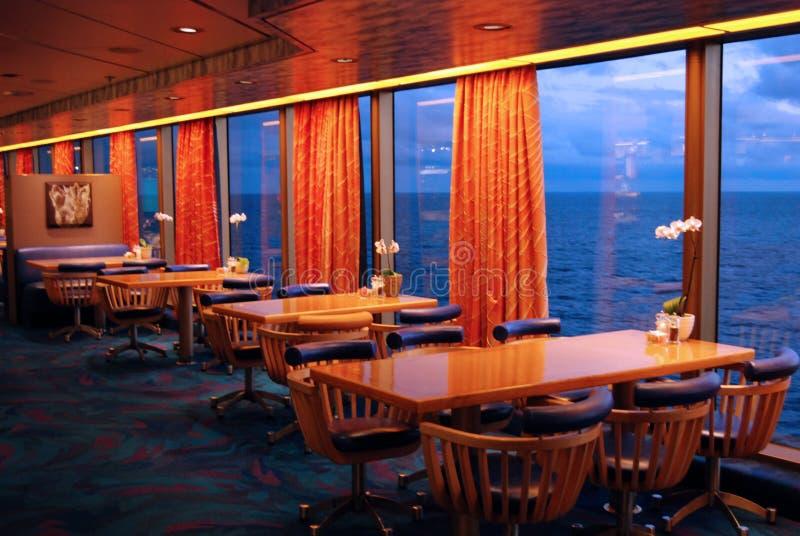 Sala de jantar do navio de cruzeiros fotos de stock royalty free