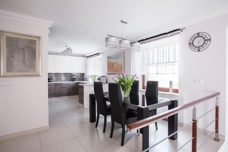 Sala de jantar elegante foto de stock royalty free