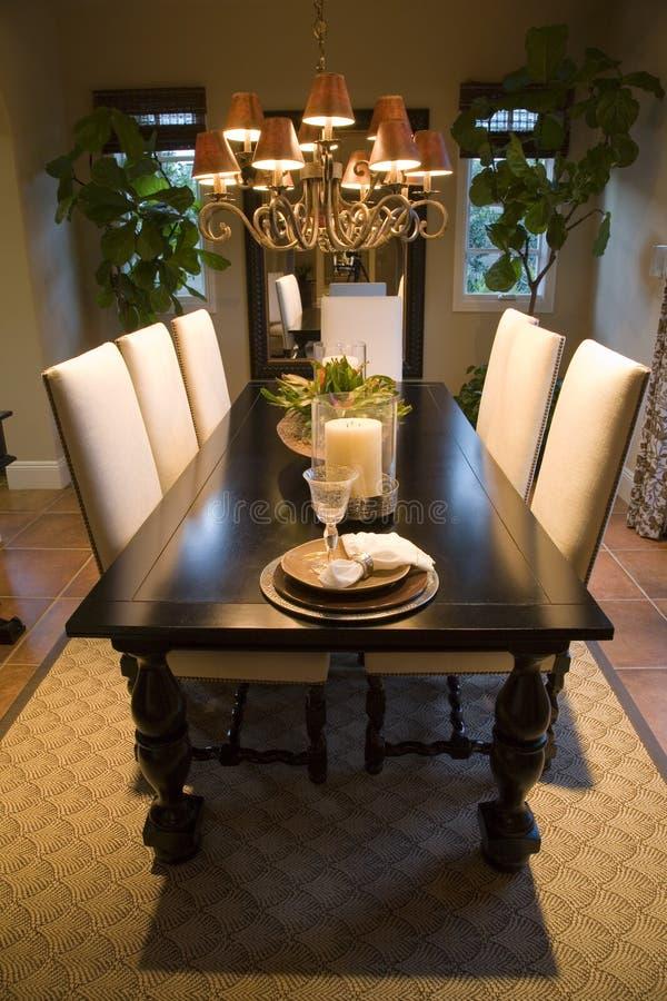 Sala de jantar home luxuosa. imagens de stock