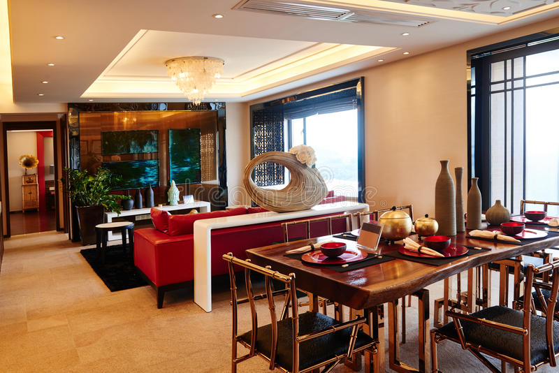 Sala de jantar luxuosa moderna da sala de visitas imagens de stock royalty free