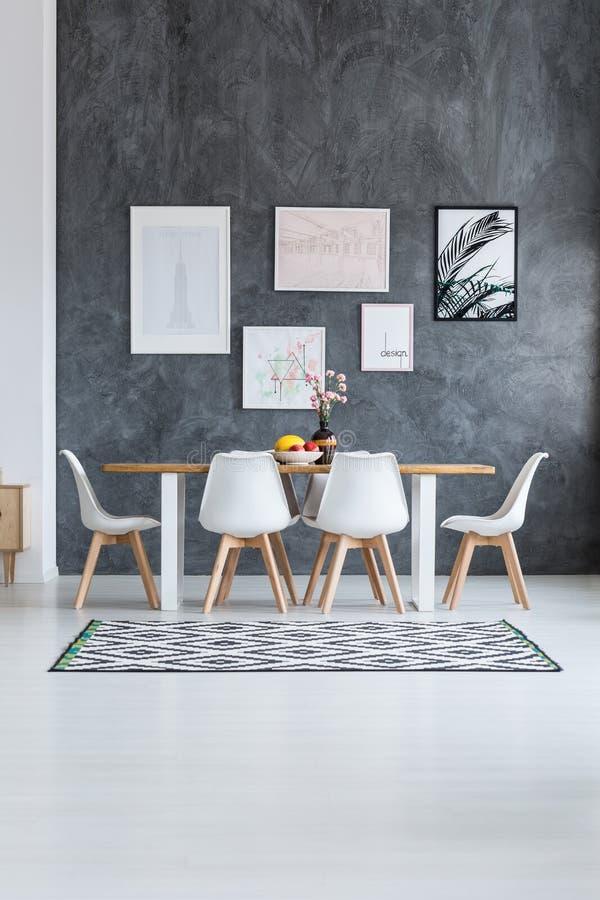 Sala de jantar de Scandi com cartazes ilustração do vetor