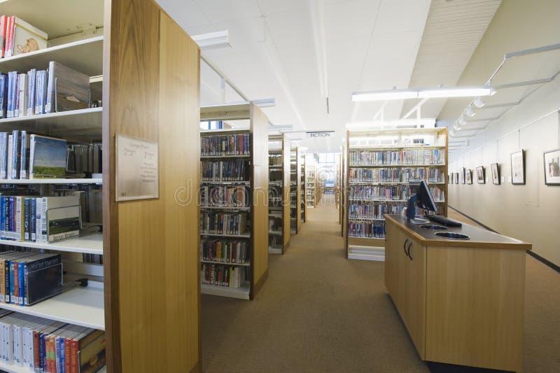 Sala de leitura da biblioteca fotos de stock