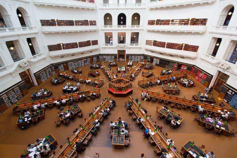 Sala de leitura de Trobe do La na biblioteca estadual de Victoria em Melbourne fotos de stock royalty free