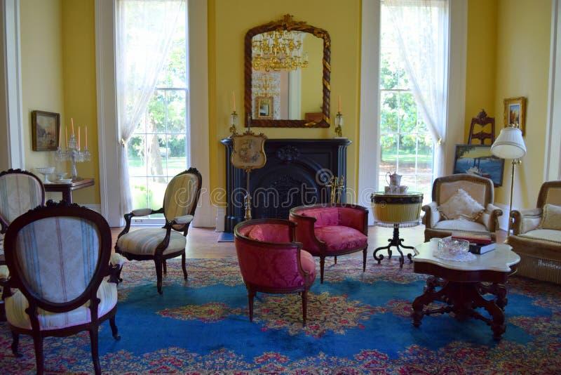 Sala de retirada antebellum das senhoras da plantação de Belmont foto de stock royalty free
