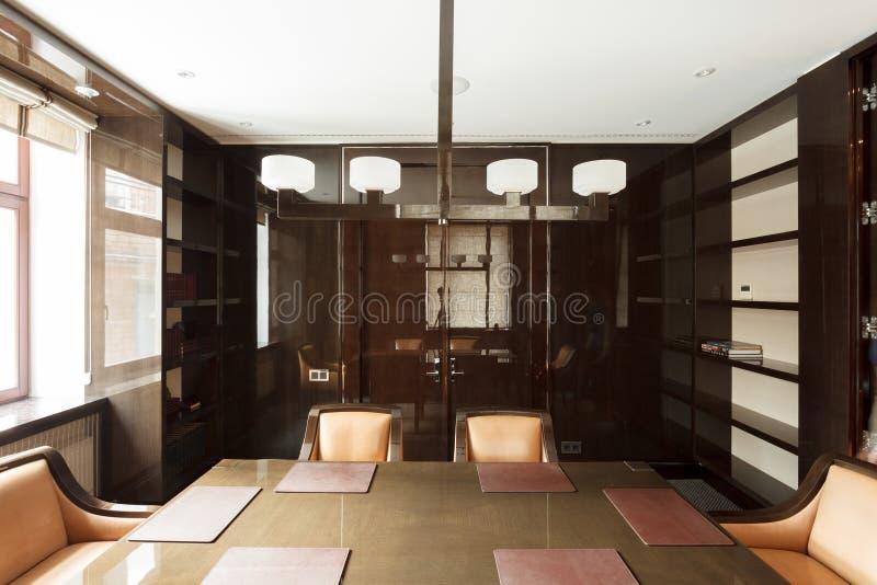 Sala de reunião luxuosa do escritório imagem de stock royalty free