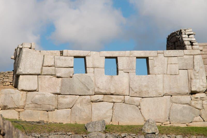 Sala de três janelas Machu Picchu imagem de stock