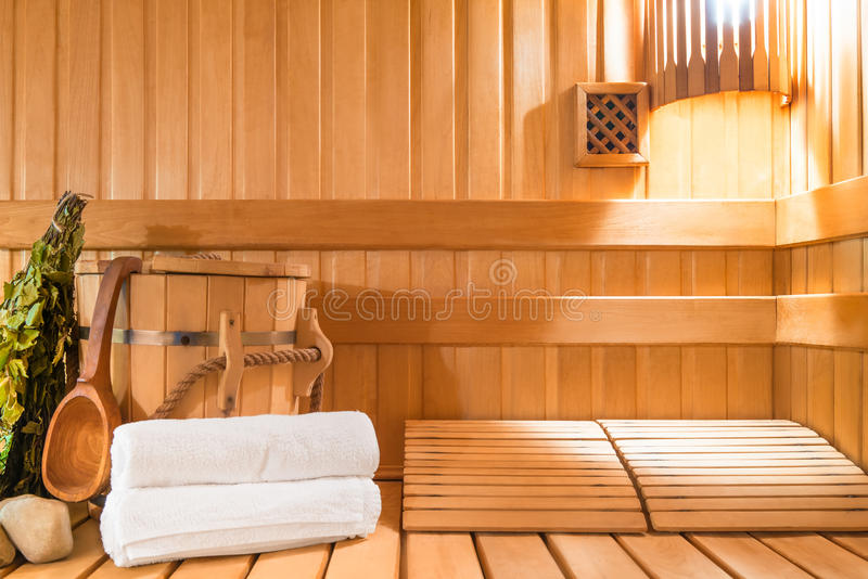 Sala de vapor feita da madeira natural imagens de stock