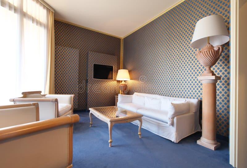 Sala de visitas clássica confortável imagens de stock royalty free