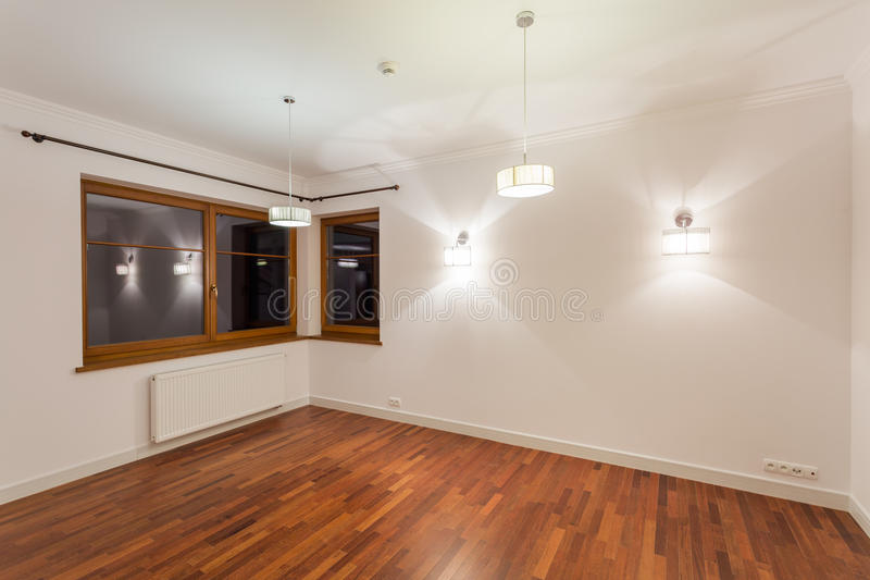 Sala de visitas com assoalho de madeira foto de stock royalty free