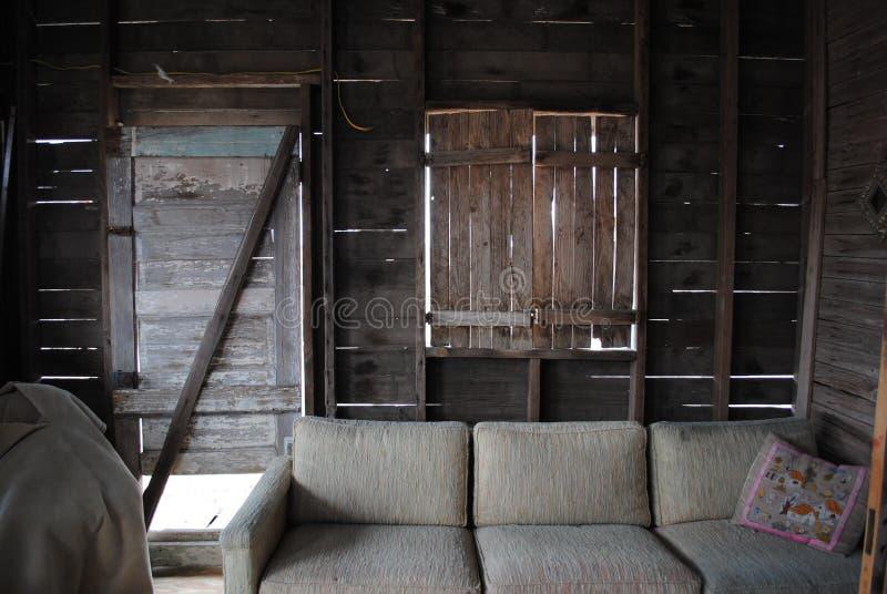 Sala de visitas da casa da cidade fantasma foto de stock royalty free