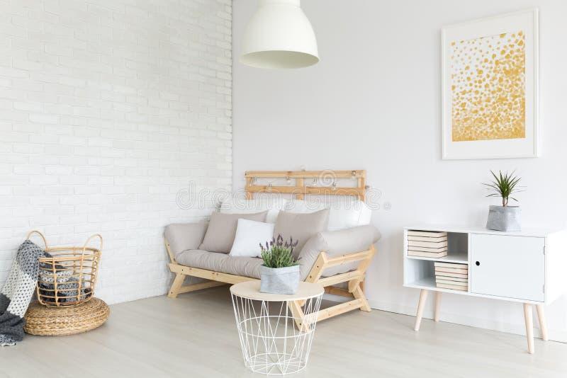 Sala de visitas no apartamento imagem de stock