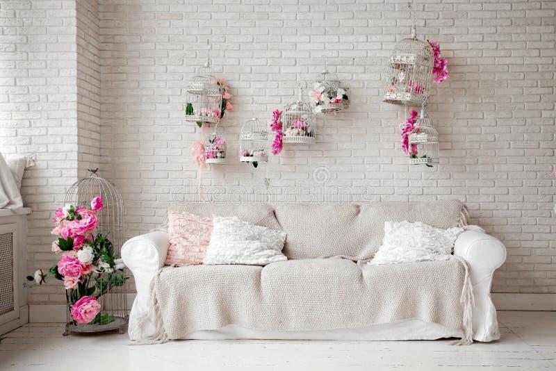 Sala decorada para o dia de são valentim do St imagens de stock