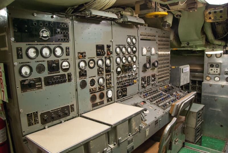 Sala di controllo sottomarina d'annata fotografia stock