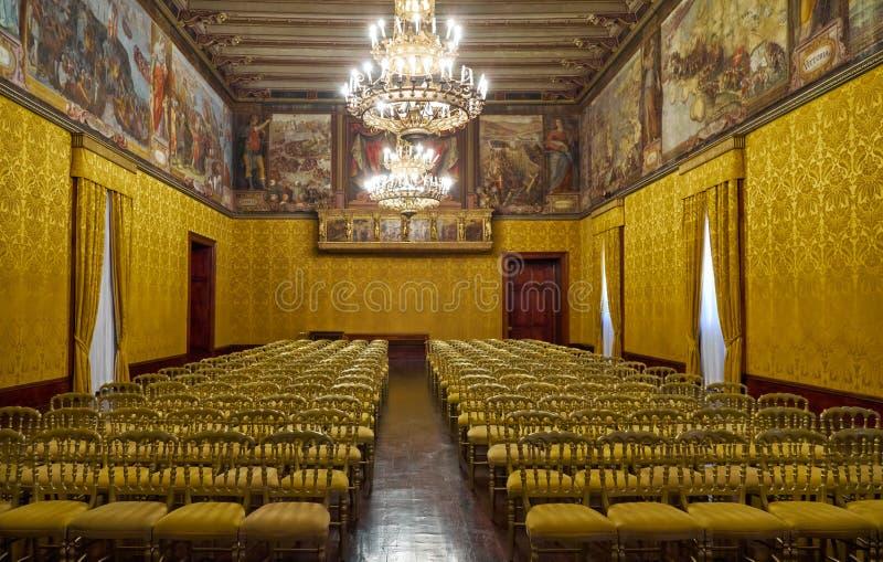 A sala do trono Palácio do ` s do Grandmaster valletta malta fotos de stock
