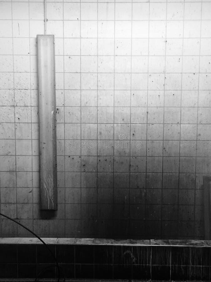 Sala escura da cena de assassinato suja imagens de stock royalty free