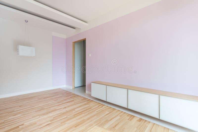 Sala espaçoso nas cores pastel fotografia de stock