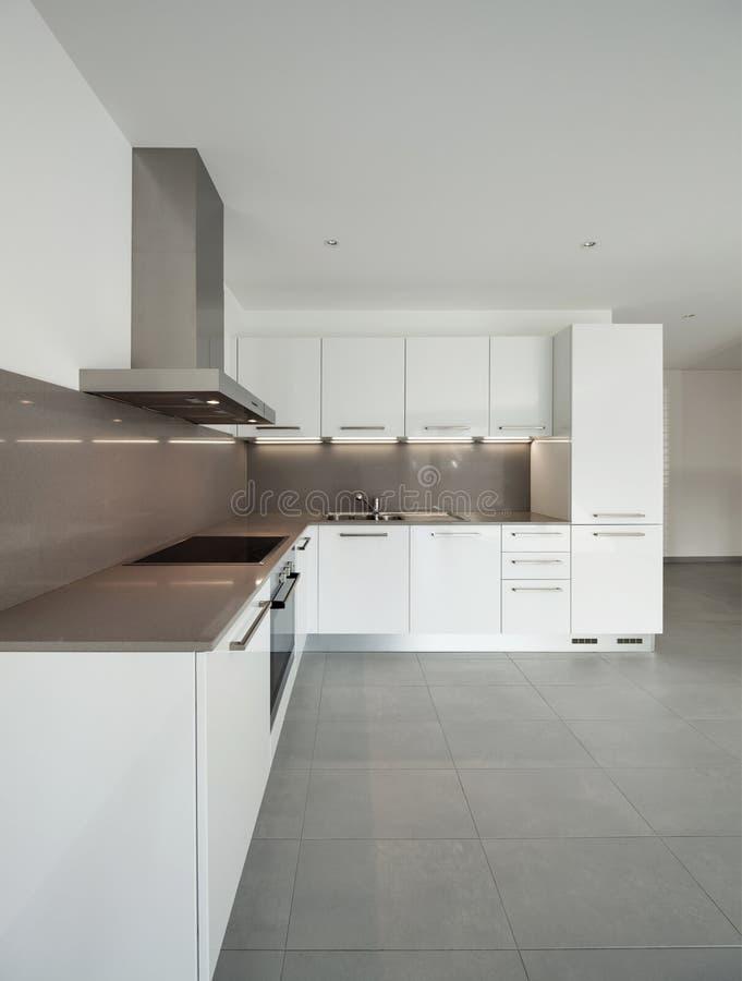 Sala interior, larga com cozinha imagens de stock royalty free