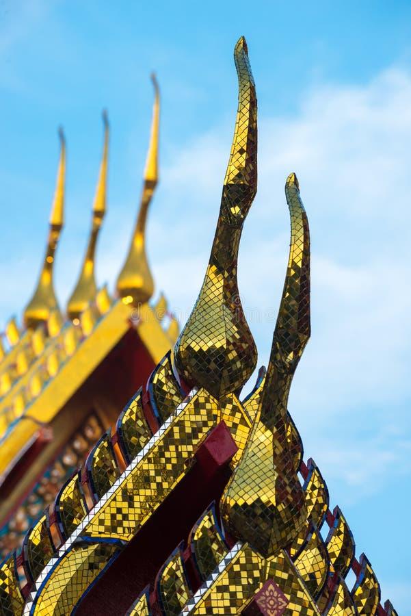 Sala Karn Parien dekorativt tak av lära och meditationkorridoren royaltyfri foto