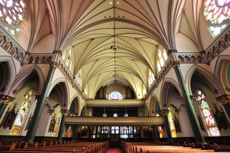 Download Sala kościół obraz stock. Obraz złożonej z salowy, przyciąganie - 13333049