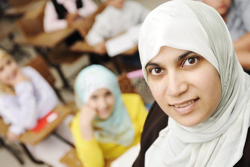 sala lekcyjna nauczyciel żeński muzułmański fotografia stock