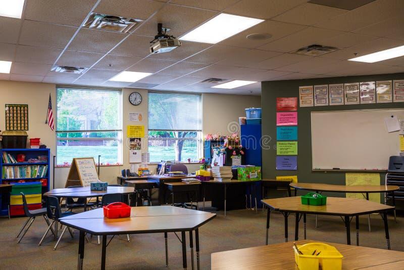 Sala lekcyjna w szkole podstawowej zdjęcie royalty free