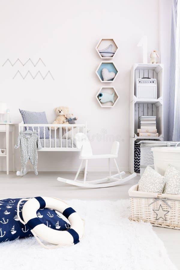 Sala na moda do bebê imagem de stock