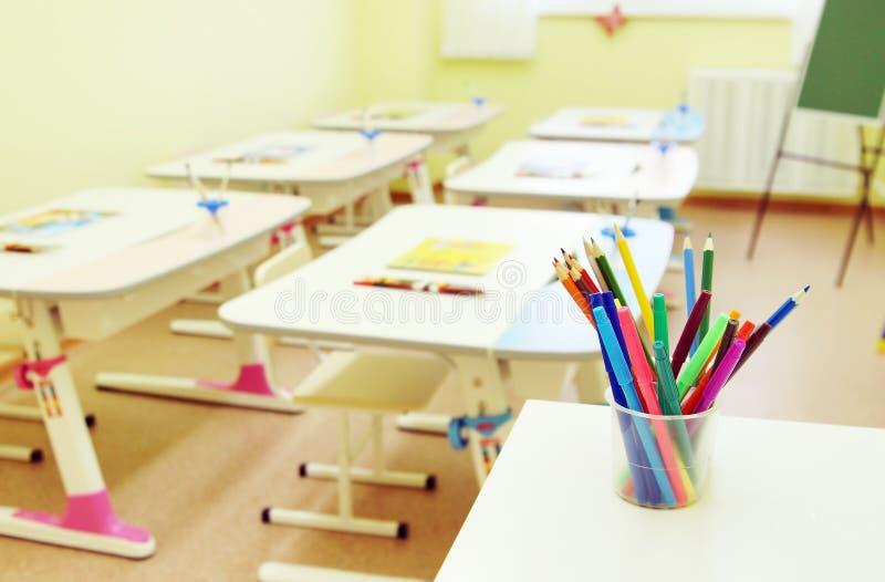 Sala para lições desenhando no pré-escolar foto de stock
