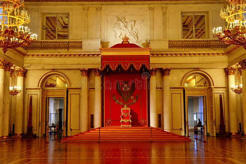 Sala pequena do trono do palácio do inverno fotos de stock royalty free