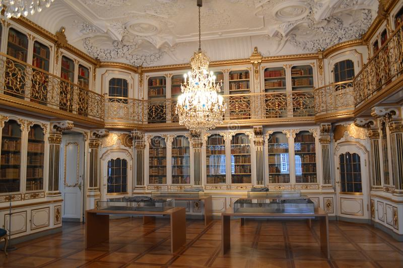 Sala real da biblioteca foto de stock