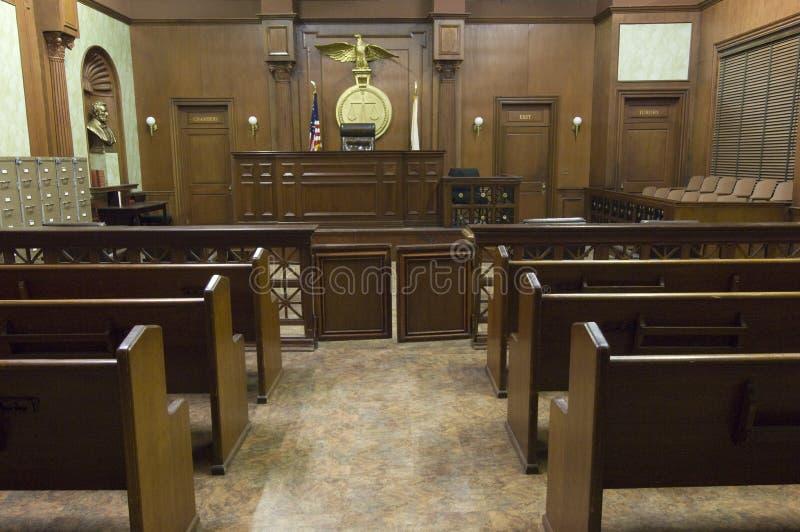 Sala sądowej miejsca siedzące obraz stock