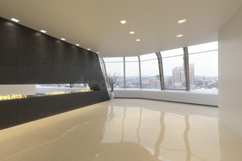 Sala vazia de uma residência moderna do Highrise imagens de stock
