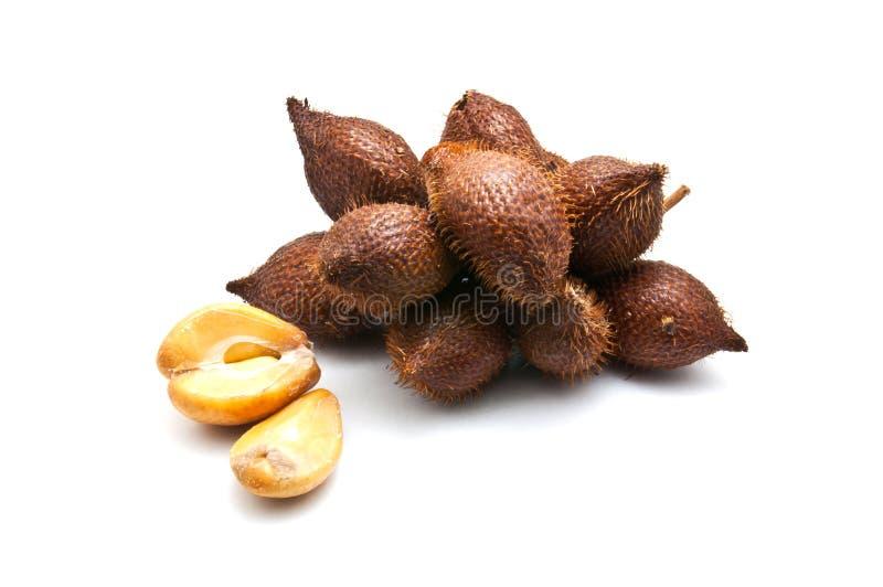 Salaccafruit op witte achtergrond stock afbeeldingen