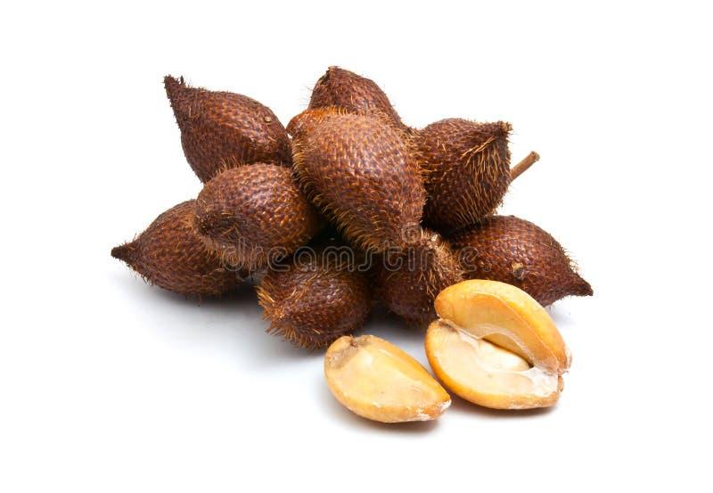 Salaccafruit op witte achtergrond stock foto's