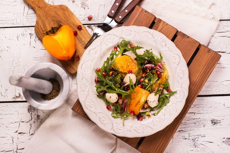 Salada colorida fresca do verão imagem de stock
