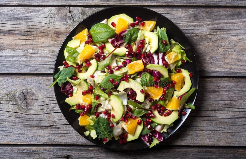 Salada com abacate foto de stock royalty free