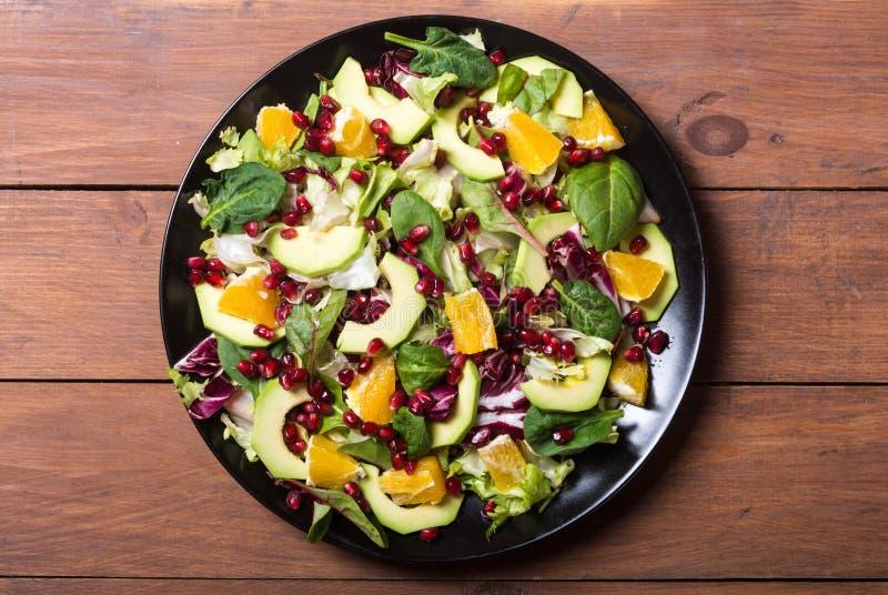 Salada com abacate fotografia de stock