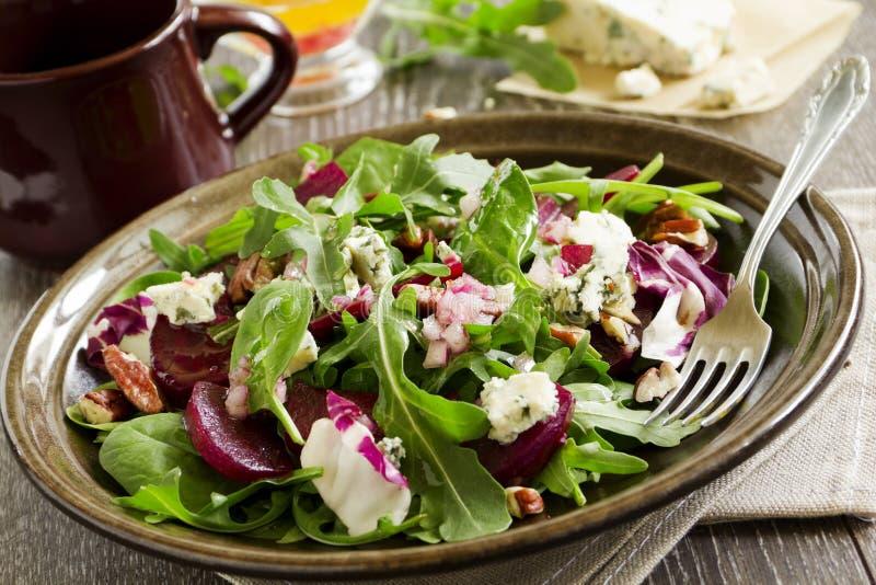 Salada com beterraba, foto de stock