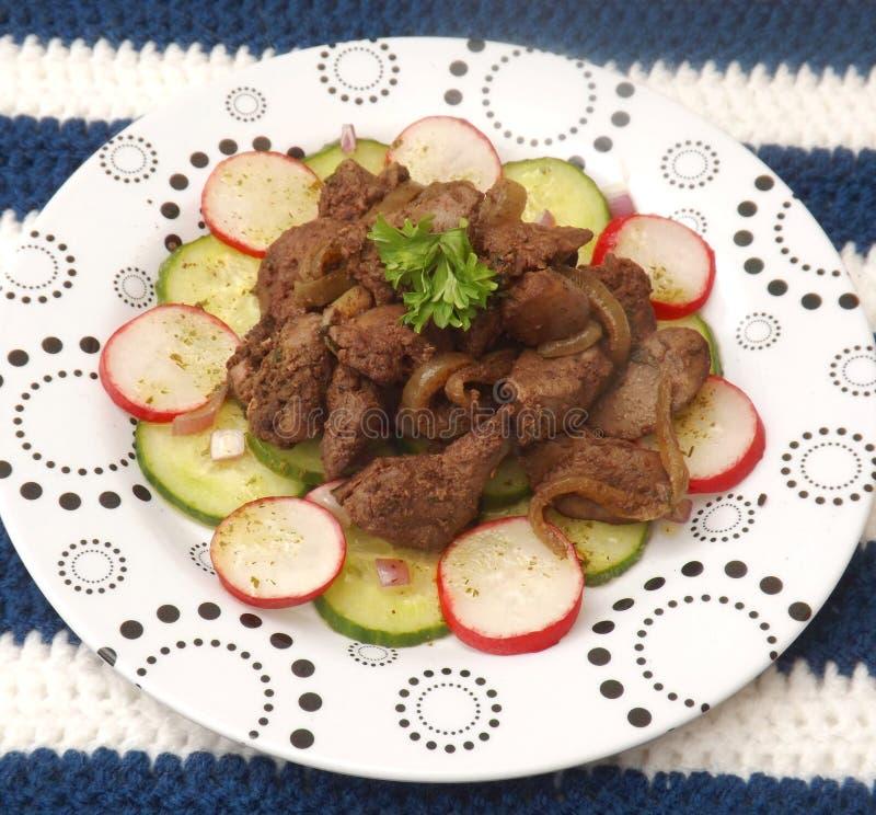 Salada com fígado imagens de stock