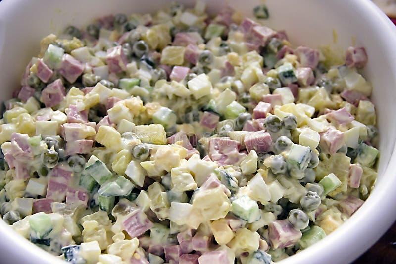 Salada com salsicha e maionese fotos de stock
