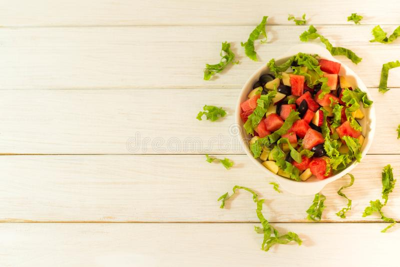 Salada da fruta e verdura imagens de stock royalty free