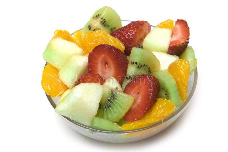 Salada da fruta na bacia fotos de stock royalty free