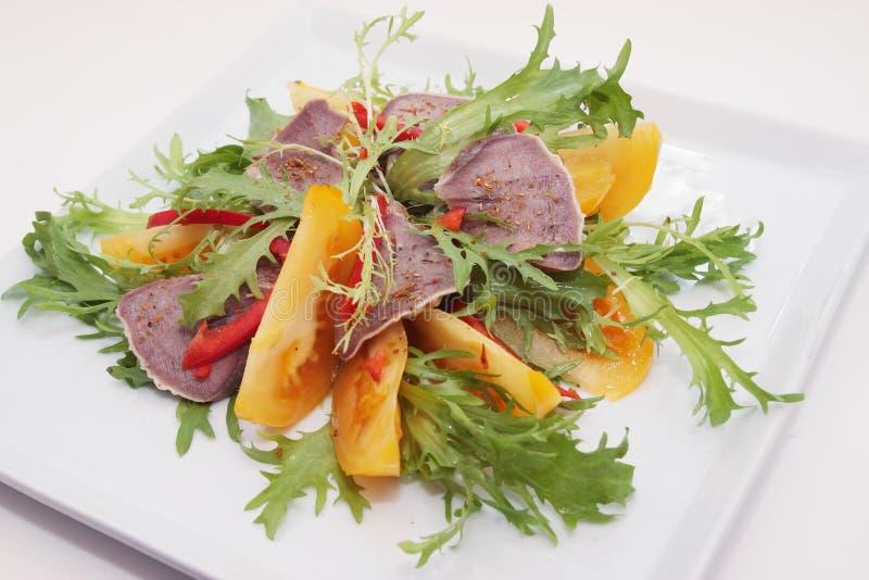 Salada da lingüeta de carne imagem de stock
