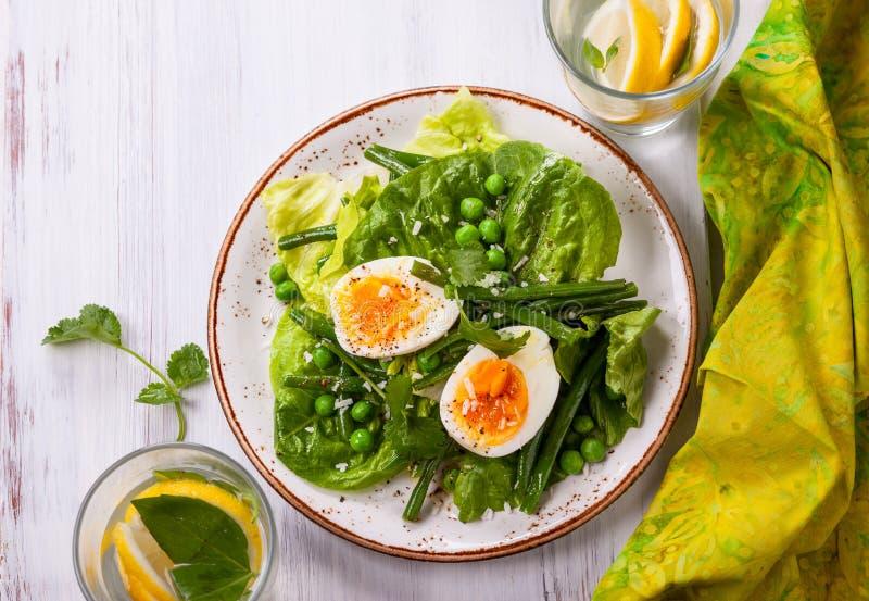 Salada da mola fotos de stock royalty free