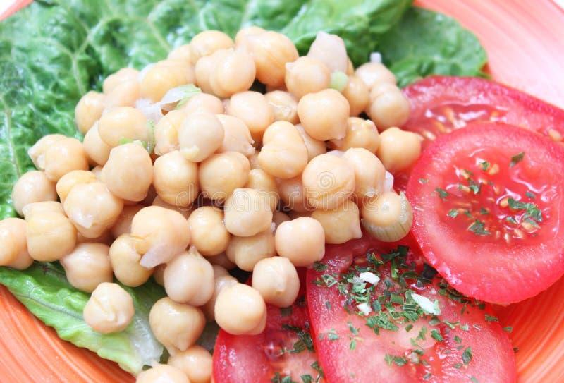 Salada de ervilhas de pintainho fotografia de stock