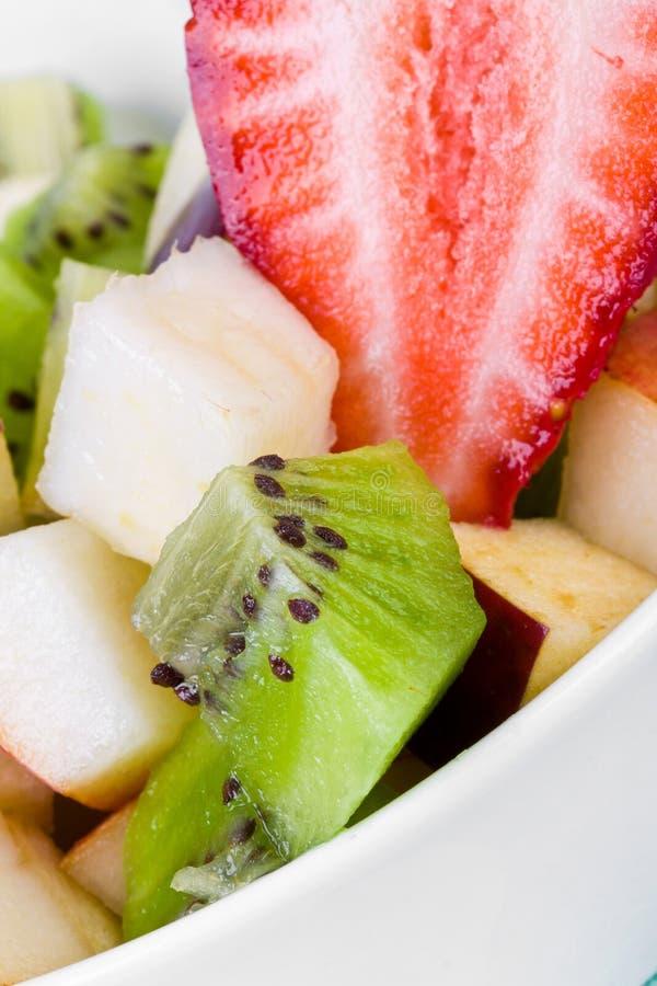 Salada de fruta da dieta na placa fotos de stock