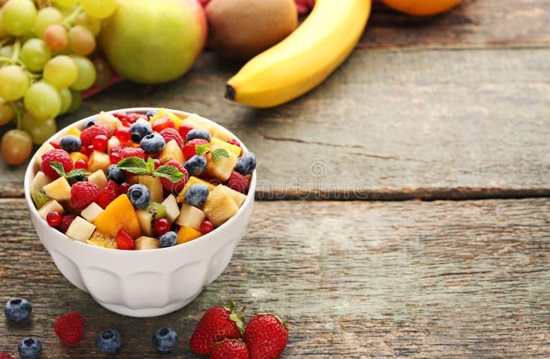 Salada de fruta fresca foto de stock royalty free