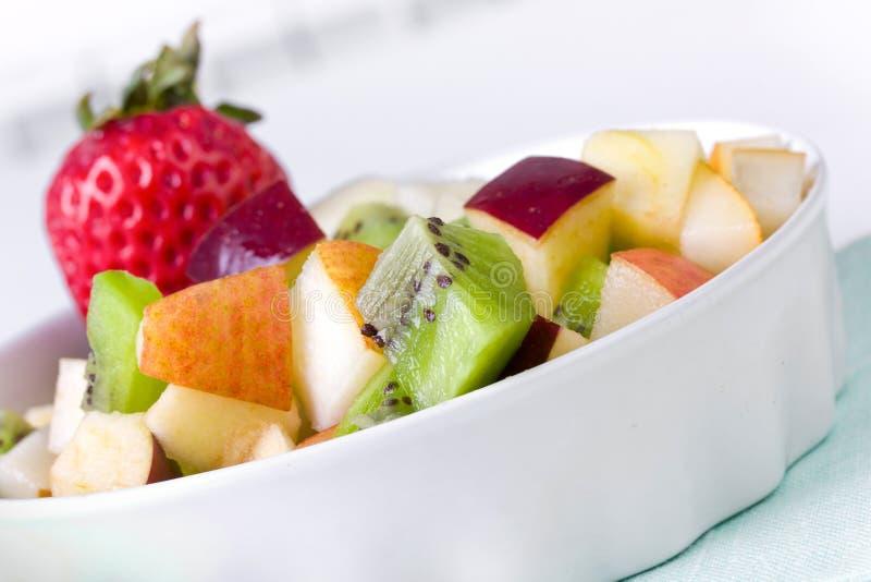 Salada de fruta na placa imagens de stock royalty free